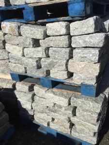 gray jumbo belgium blocks (4 inch x 9 inch x 11 inch)